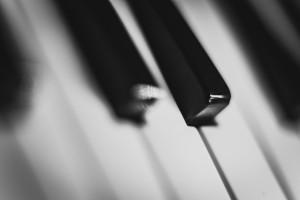 music-keys-piano-theme-colors-large